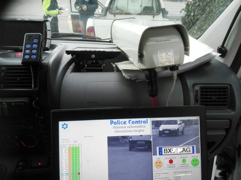 NIENTE ASSICURAZIONE O MANCATA REVISIONE POLICE CONTROL FA STRAGE DI AUTOMOBILISTI! Grazie ai controllo real time sestuplicate le infrazioni
