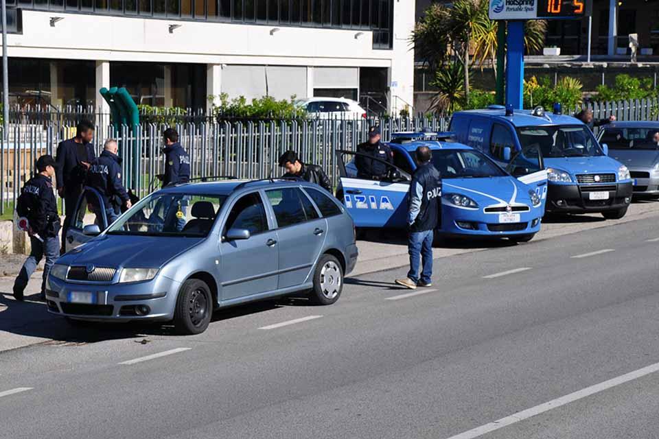 CONTROLLO DEL TERRITORIO, 105 IDENTIFICATI OPERAZIONE EXTRA DELLA POLIZIA AI VARCHI IN CITTÀ