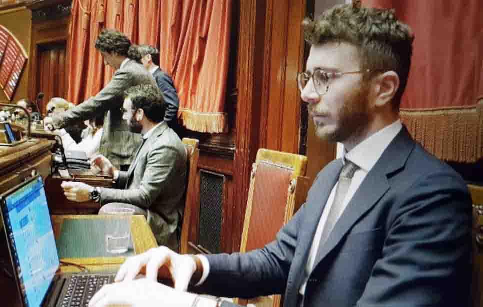 """DA OSIMO A ROMA UN SOL GRIDO: """"LIBERALIZZIAMO LA CANNABIS!"""" SOTTOSCRITTO DA GIULIODORI +99 TESTO DA CONVERTIRE IN LEGGE"""
