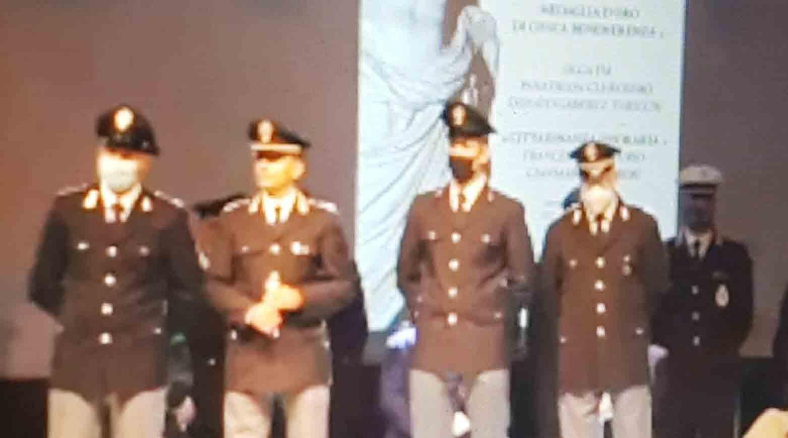 """LA MOTIVAZIONE DELL'ENCOMIO AI DUE POLIZIOTTI DIVENTA UN CASO BANALE EPISODIO RIVENDUTO """"REPENTAGLIO PROPRIA INCOLUMITÀ"""""""